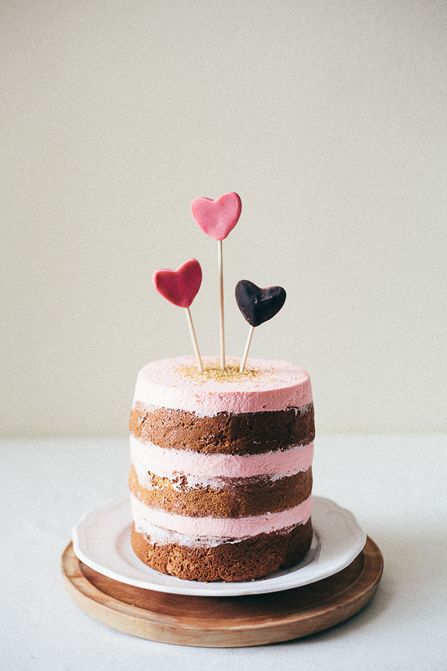 Five Valentine's Day Treats - Italian Almond Valentine Cake // A Style Caddy