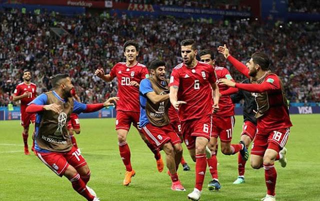 """Video Tây Ban Nha - Iran: Bàn thắng """"số đỏ"""", hú vía hãm thành 3"""