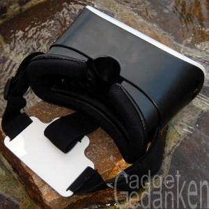 SimbR VR-Brille von unten mit Aussparung für die Nase