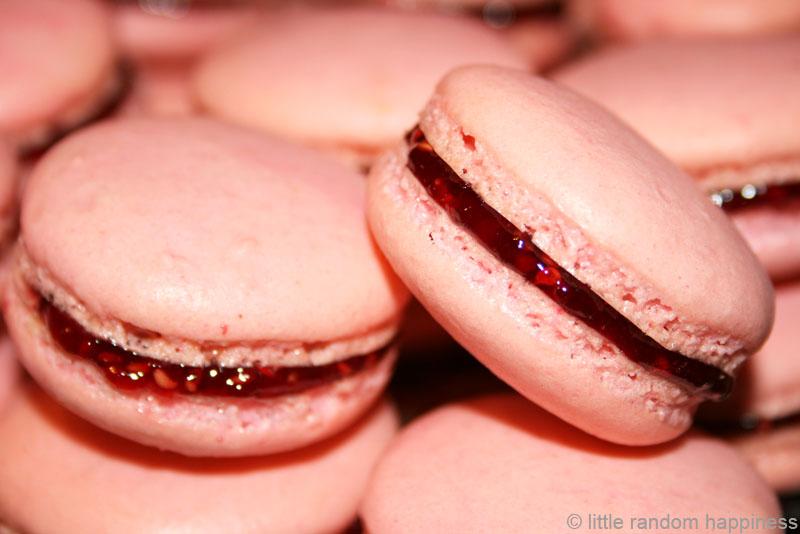 How To Make Raspberry Macarons