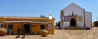 Iglesia de la Misericordia, Castillo viejo o Castelo Velho.