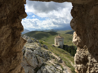 Views of the Santo Stefano, Rocca Calascio hike.