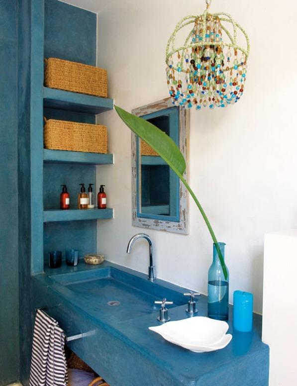 baño de microcemento azul turquesa chicanddeco
