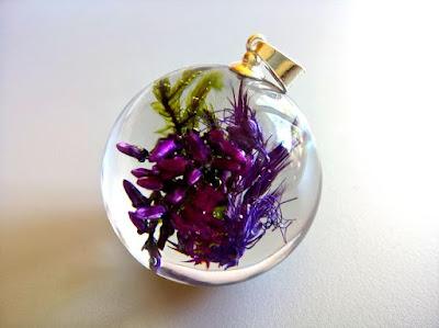 naszyjnik kwiaty w żywicy