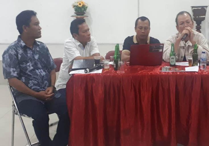 Ketua pelaksana Bonataon Sibarani 2020 St Eduward Sibarani Br Sitorus didampingi oleh sekretarisnya saat menerima arahan dari ketua Porsib Sejabodetabek SHP Sibarani Br Silaen