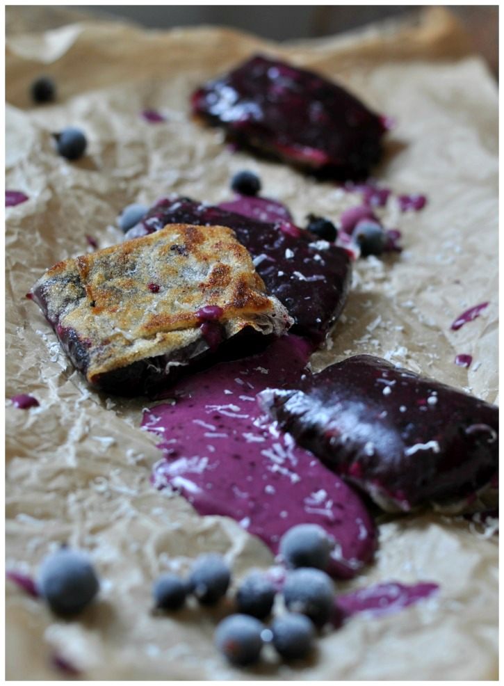 gluten free sweet Summer Rolls with cassis and white chocolate