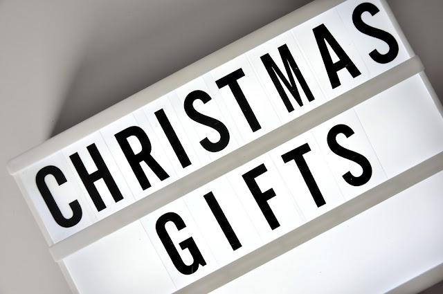 pomysły na świąteczny prezent dla kobiety