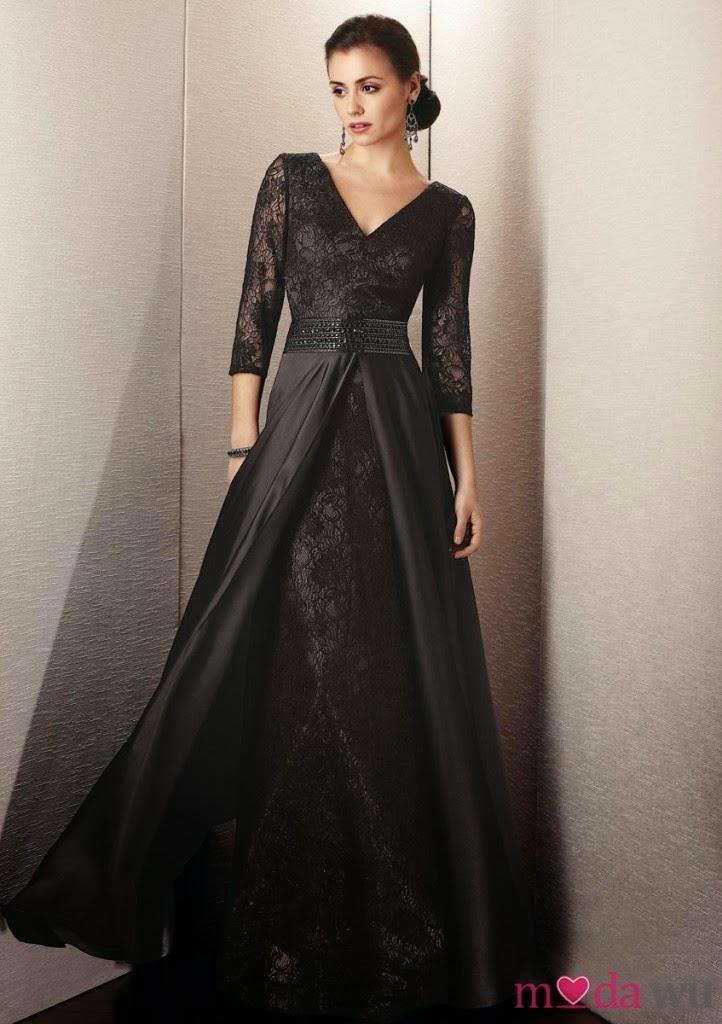 69beb69ad5fac En moda siyah elbiseler ile bir adım önde olun! özellikle siyah straplez  elbise modeli ve tek askılı mini siyah elbise genç kızların aklını başından  alıyor.
