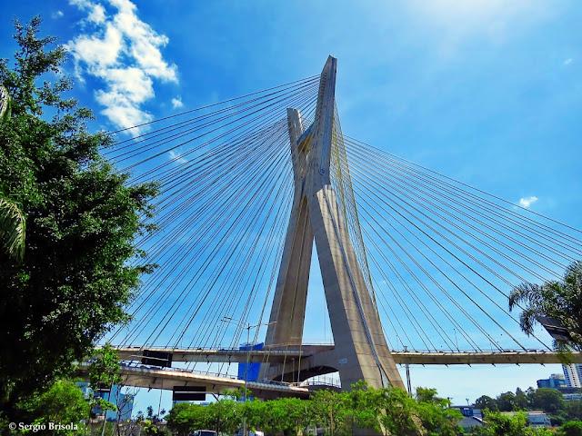 Panoramica lateral da Ponte Octávio Frias de Oliveira - Ponte Estaiada - São Paulo