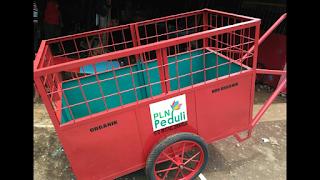 gerobak sampah PLN Peduli