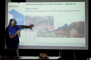 CPRM apresenta estudos em desenvolvimento e ações futuras a moradores do Bairro Pinheiro, em Maceió
