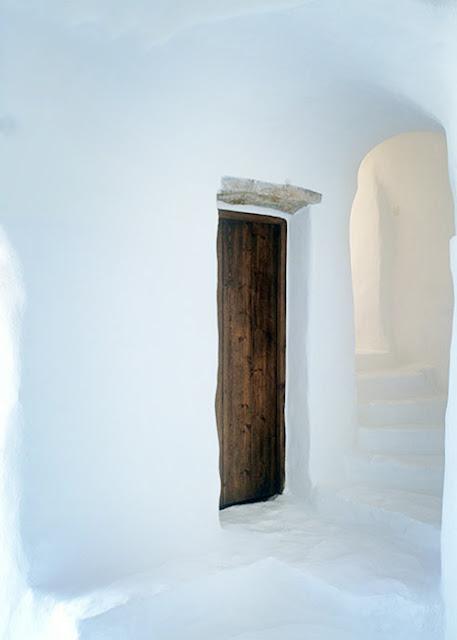 couloir extérieur maison traditionnelle grecque