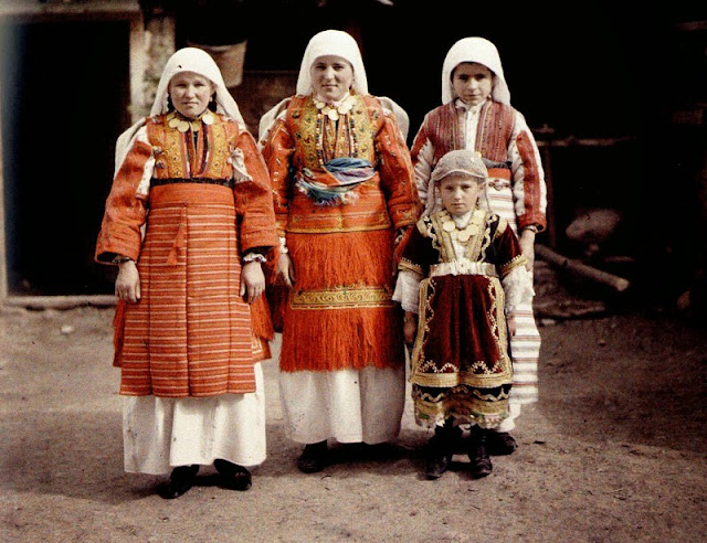 """Traditional Macedonian costumes, from Smilevo village, which is part of the region named """"Mijak"""". Bitola in 1913"""