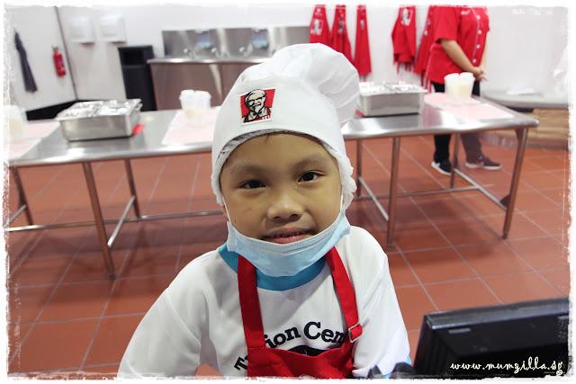 kidzania KFC chef