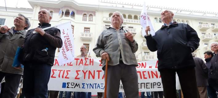 «Εκρυβαν» τα αναδρομικά των συνταξιούχων εδώ και έναν χρόνο -Τι αναφέρει το Ελεγκτικό Συνέδριο