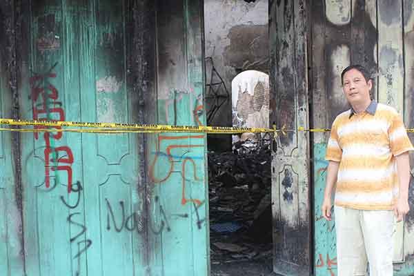 toko bintang lima pekiringan ludes terbakar