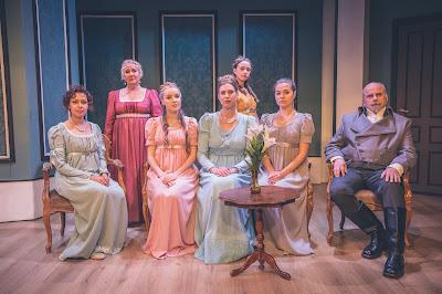 Bennetin perhe: Kaarina-Teatteri, Ylpeys ja ennakkoluulo