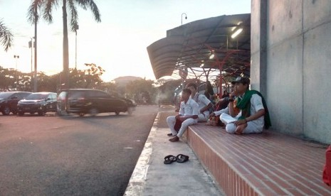 Habib Rizieq Batal Pulang, Polisi Tetap Berjaga di Bandara