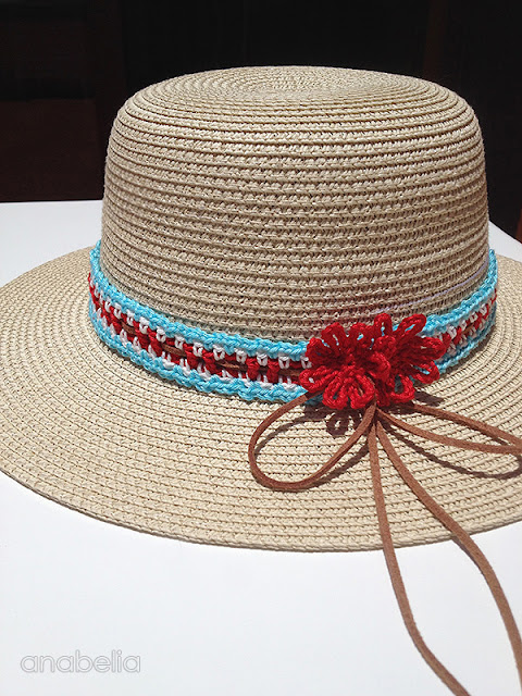 How to customize a summer hat with crochet, free pattern by Anabelia Craft Design