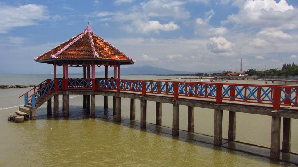 Pantai Kartini Rembang