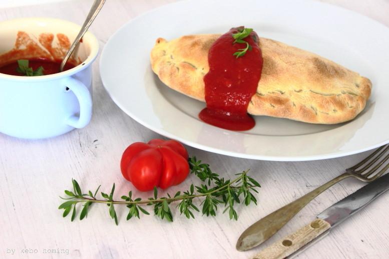 Pizza Calzone, italienischer Klassiker, Rezept für Calzone und Sugo Pomodora die klassische Tomatensauce auf dem Südtiroler Food- und Lifestyleblog kebo homing