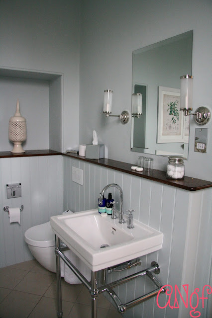 Wash basin and heated loo in The Buzzard Room at Clevedon Hall | Anyonita Nibbles Gluten Free