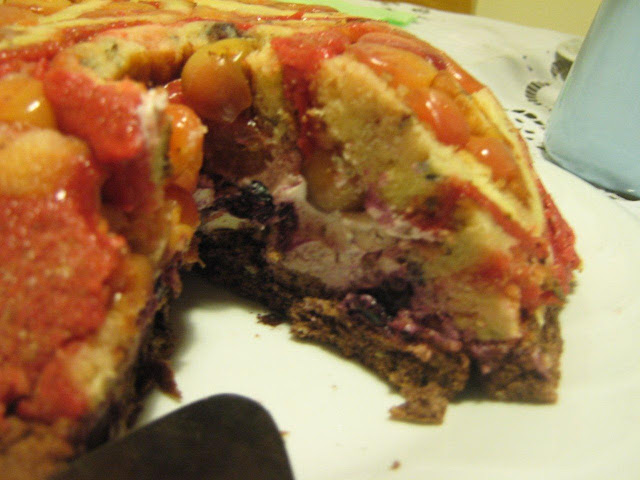 I 51 cseresznye torta Chatlotte megvágva