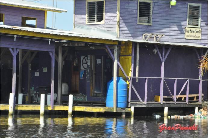Puerto Almirante es el lugar de partida hacia Bocas del Toro. En Blog de Viajes, Bocas del Toro con niños