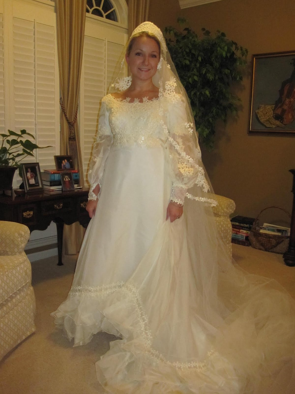 my mothers wedding dress mothers wedding dresses So since the dress was not going to work as my wedding dress I decided to wear my mom s veil on my wedding However it had a cap like crown that didn t