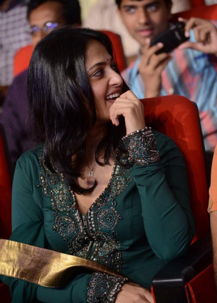 Only actress anushka shetty cute churidar photos in singam 2 audio anushka shetty cute churidar photos in singam 2 audio release function altavistaventures Gallery