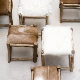 Diseño de banco de piel con madera con estilo rústico