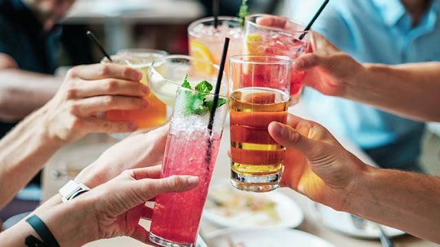 Alcohol y cáncer: así es como la industria oculta el peligroso vínculo entre ambos