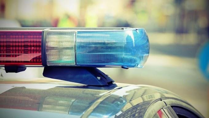 Részegen, jogosítvány nélkül karamboloztak egy lopott autóval, egyikük zsebéből drog is előkerült
