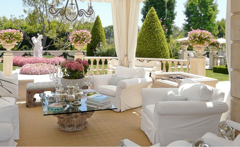 Home Decor Inside Outside: The Styled Life: Lisa Vanderpump