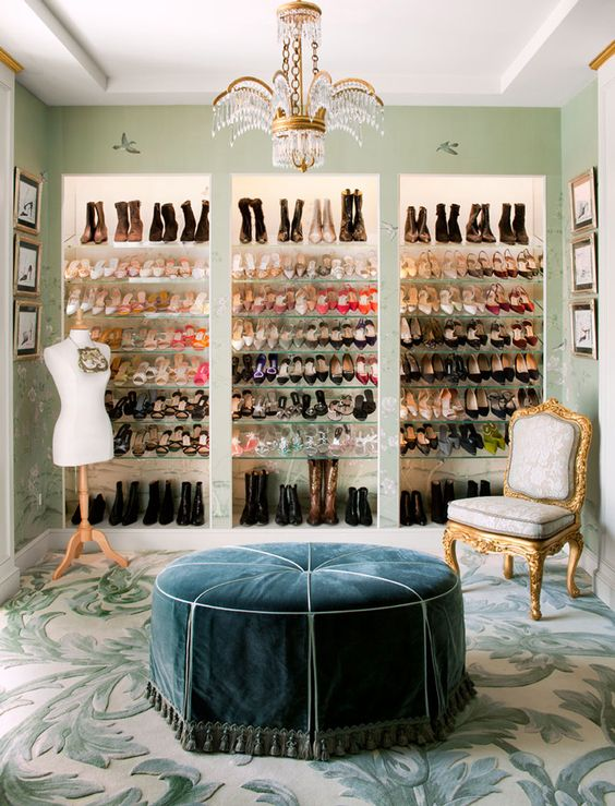 Besides Being A Shoe Closet, This Room Can Held Pyjamas Parties, Meetings  And Chats With Your Friends Or A 5 Ou0027clock Tea Party. The Perfect Dream!
