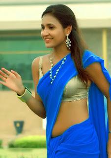 Actress-Saryu-hot-navel-show
