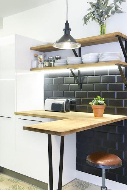 Kitchen With Bar 2