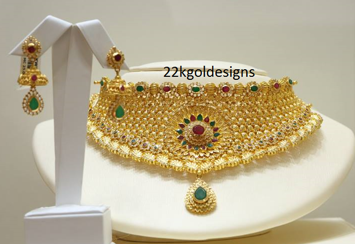 Malabar Gold Necklace with Uncuts