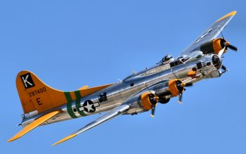 Wallpaper: Boeing B-17 Flying Fortress