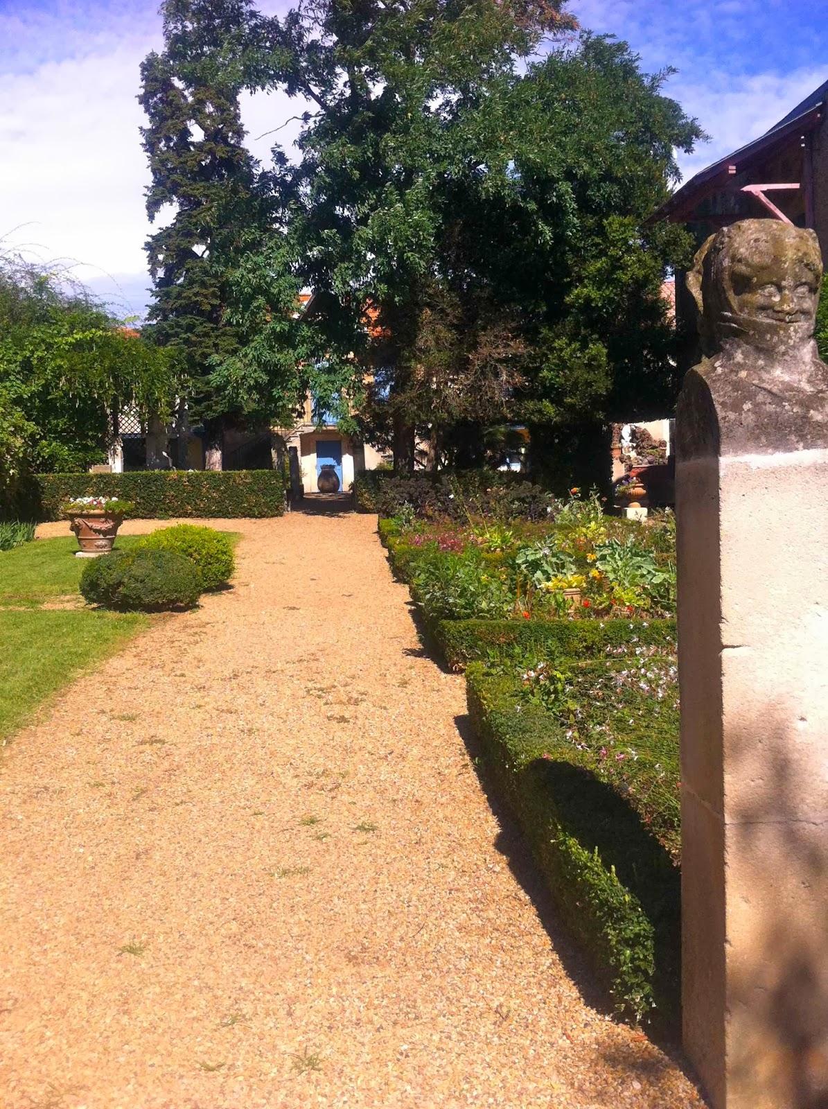 Diff remment patrimoines for Jardin villa antonine beziers