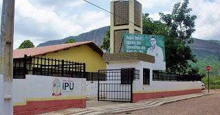Bandidos se passam por pacientes, invadem e assaltam no Hospital Municipal de Ipu