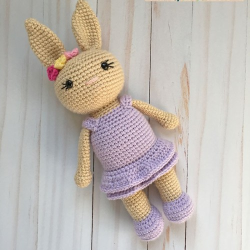 Berry Patch Bunny Girl Version - Free Amigurumi Pattern
