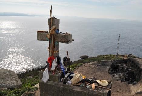 Caminsan Camino De Santiago El Cabo Y El Faro De Finisterre