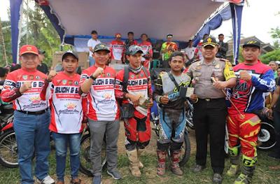 Ribuan Penggila Motor Trail Padati Lapangan Pasar Pungkalan Bandar Negeri Suoh