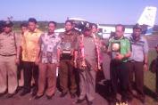 Piala Adipura 2013 Tiba Di Bandara Aroepala Selayar