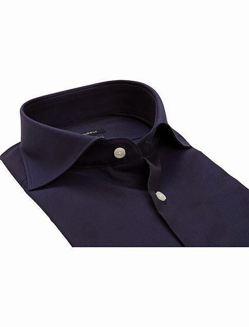 http://eu.suitsupply.com/es/shirts/camisa-azul-marino/H4600.html?start=20&cgid=Shirts&prefn1=style&prefv1=Cl%C3%A1sica