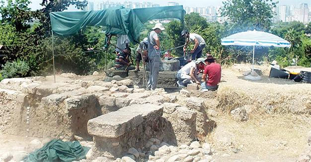 Archaic Greek temple unearthed in Soli Pompeiopolis
