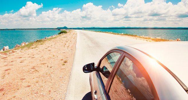 Por que alugar um carro estando de férias?