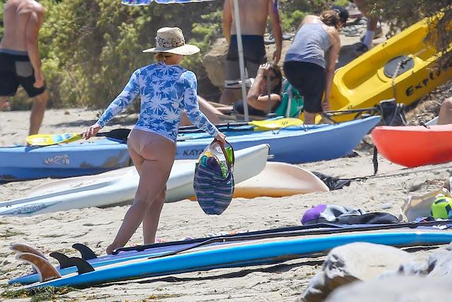 Hilary Duff en bikini en Malibu
