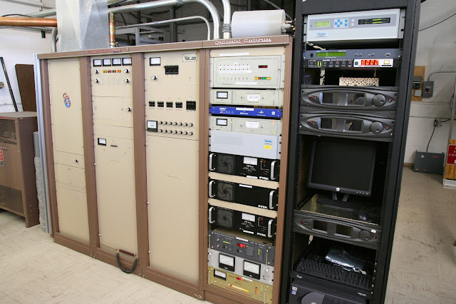 Peralatan Yang di butuhkan membuat studio pemancar fm sederhana